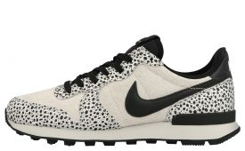 nike-internationalist-damessneaker-zwart-print-en-wit